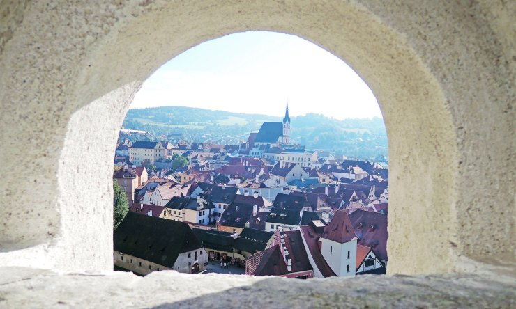 Cesky Krumlov travel guide - Just when you thought you've seen the best of Czech Republic, you stumble upon this view. Cesky Krumlov is absolutely gorgeous and not to be missed.