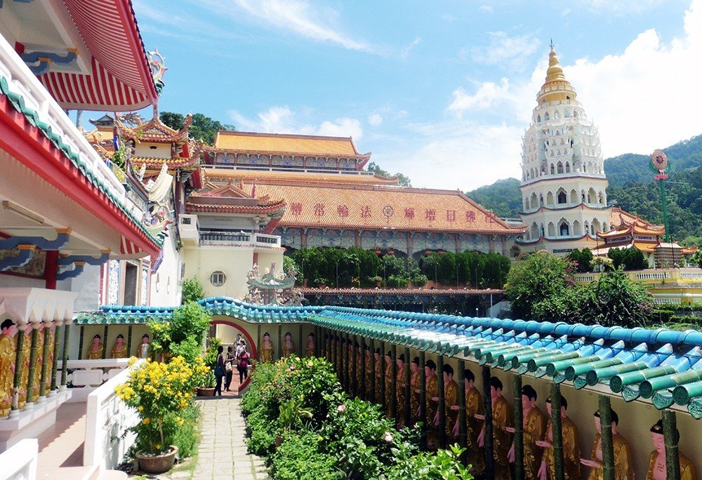 Kek Lok Si in Penang, Malaysia is one of the largest finest temple complexes in Southeast Asia – 3 days in Penang travel guide