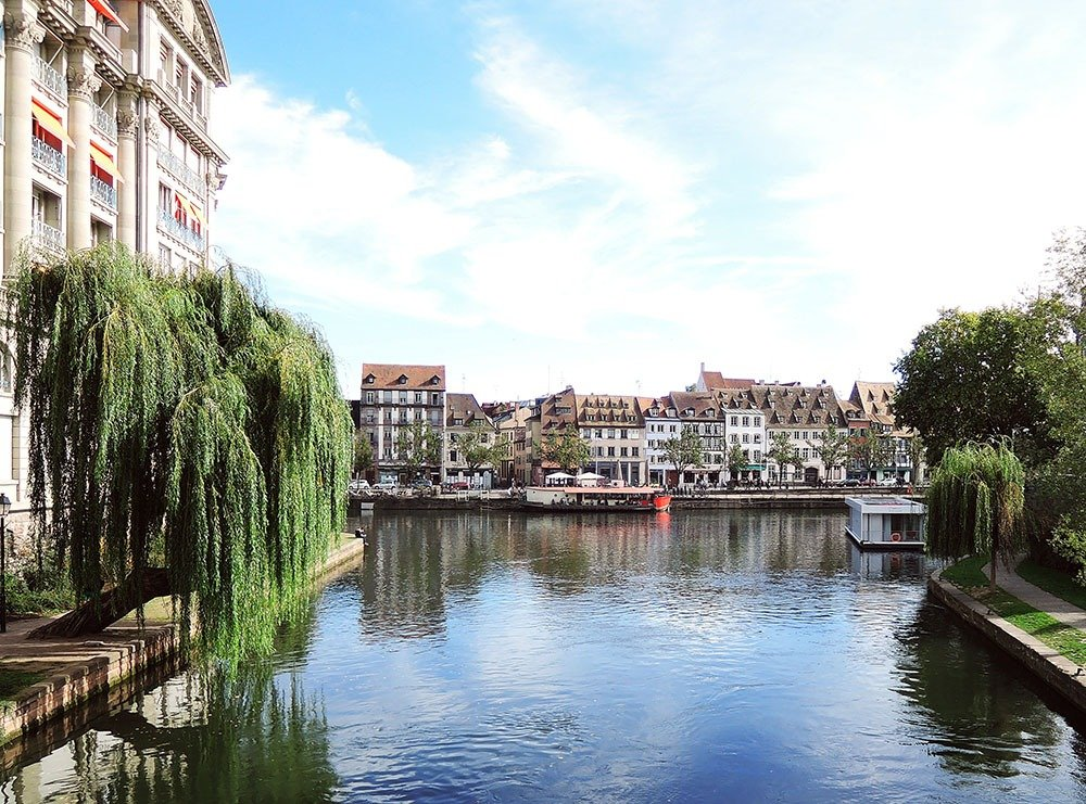 Strasbourg travel guide - A stroll in Strasbourg's Krutenau district is a breath of fresh air – and a glimpse into the history of the Alsatian way of life.