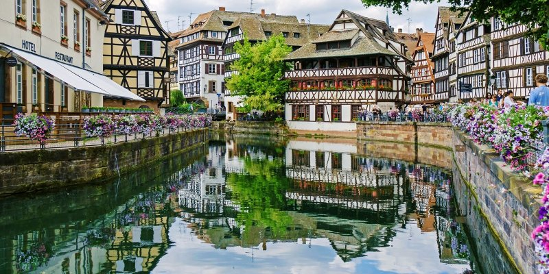 Joie de vivre meets Gemütlichkeit in this city with a French soul, German trimmings, and a whole lot of charm! If you love wine, storybook houses, and great food, you'll love Strasbourg. Here are the best things to see and do in Strasbourg.