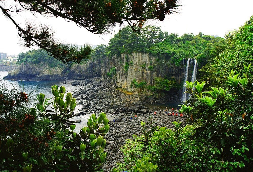 5 days in Jeju – Jeongbang falls in Seogwipo