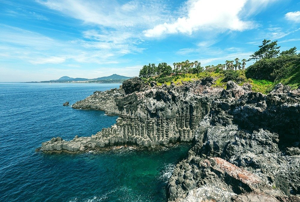 Best sights in Jeju – the Jusangjeolli volcanic columns formed from lava from the Hallasan mountain