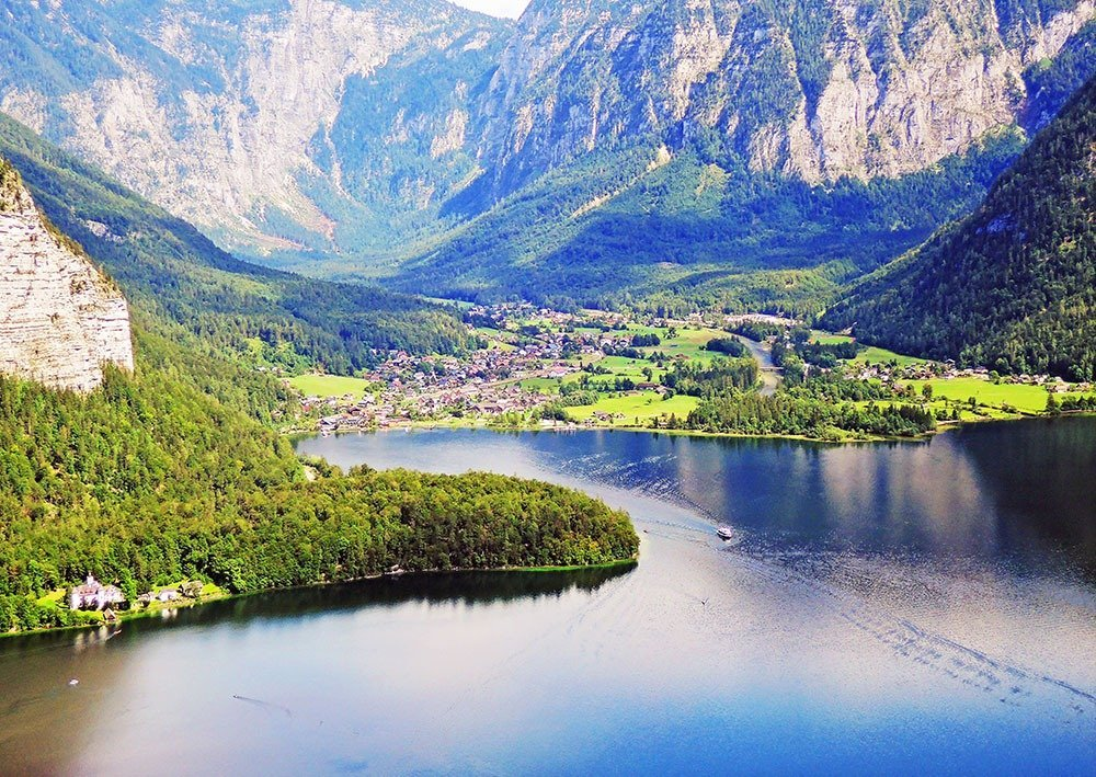 The breathtaking view of Hallstatt and surroundings from the Salzberg mountain.