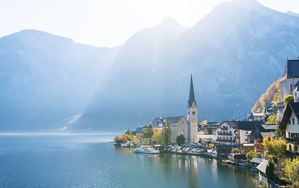 Wake up to calm and bright mornings and treat yourself to stunning views of Lake Hallstatt as it sparkles under the sun.