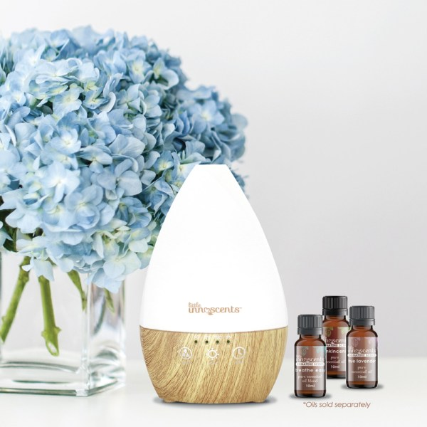 Aromatherapy diffuser for essential oils