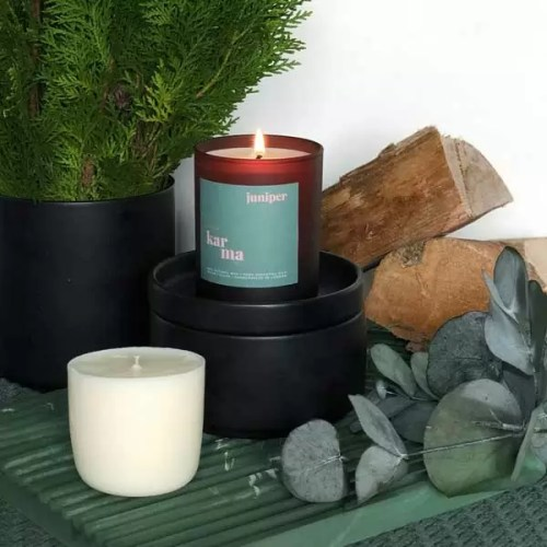 Juniper midi refillable candle. Refillable midi scented candles with pure essential oils