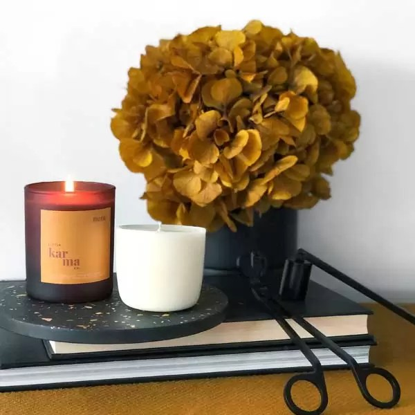 Nom midi refillable candle. Refillable midi scented candles with pure essential oils