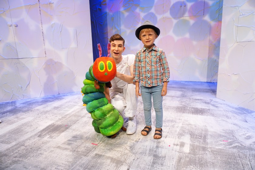 Meeting the Cast - Very Hungry Caterpillar Show