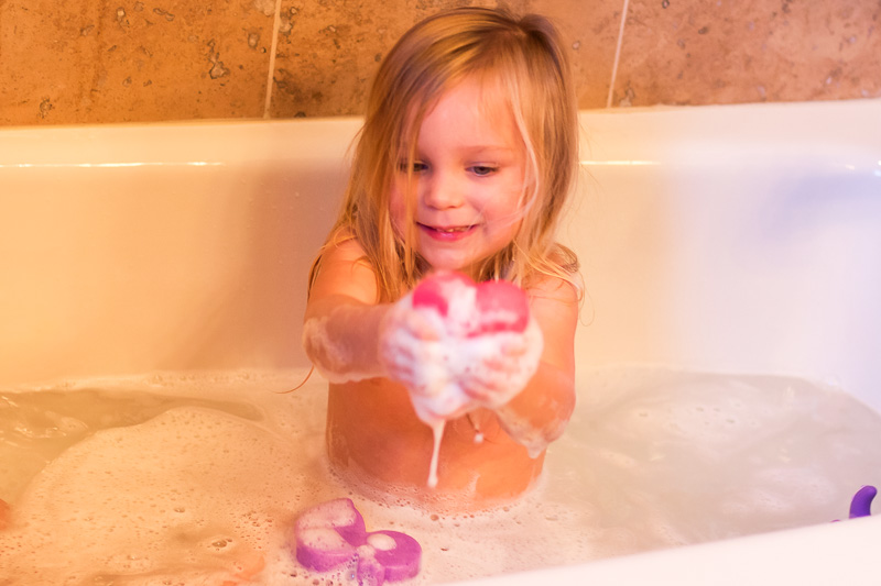 10 Ways to Make Bath Time Fun for Toddlers