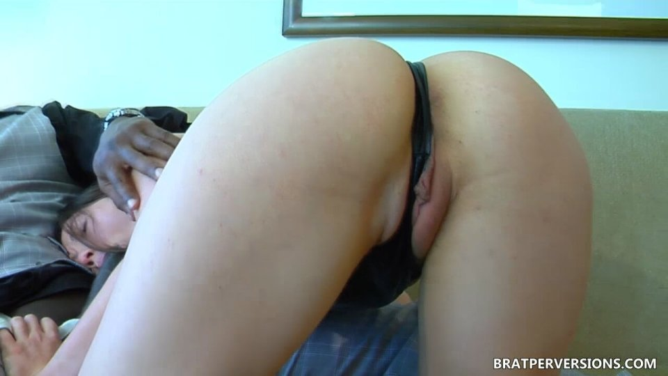 hotwife impregnated