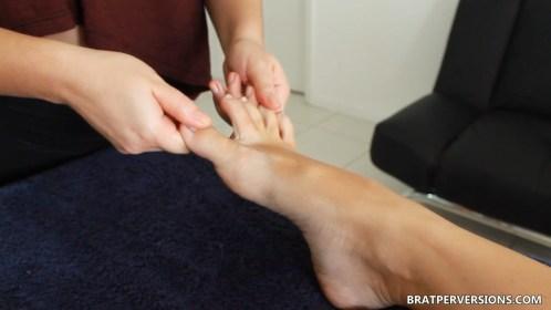 lesbian foot massage