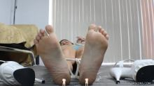 giantess feet
