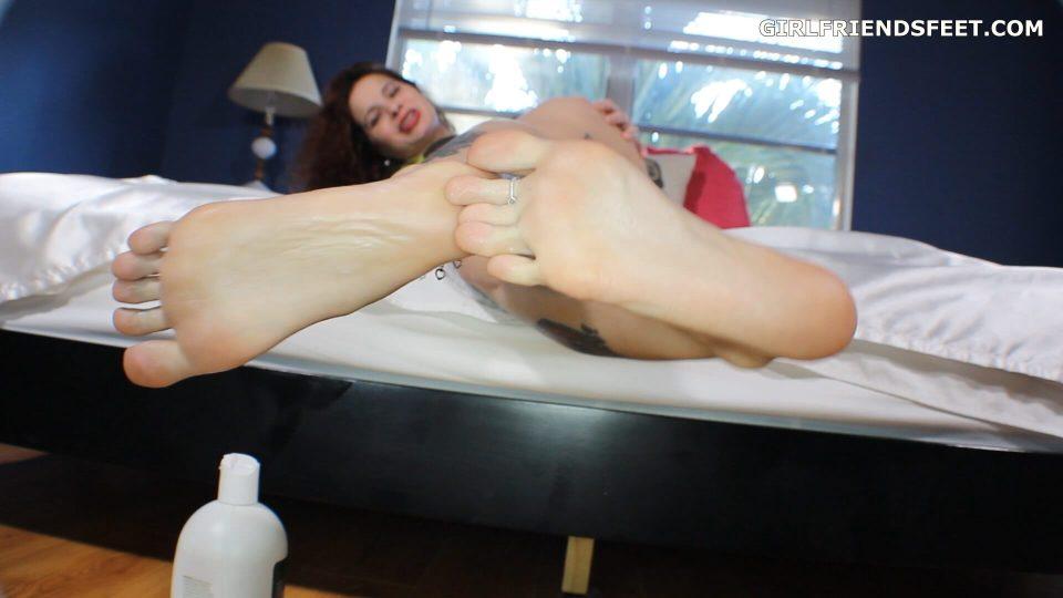 perfect bare feet