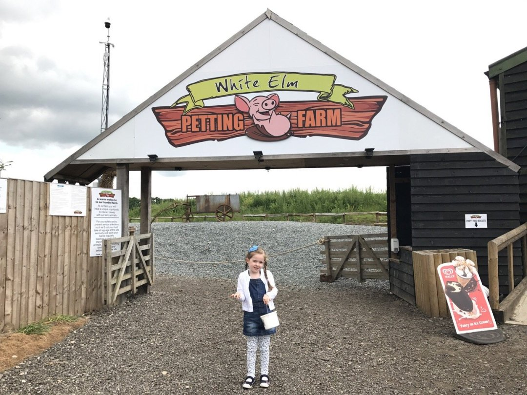 Farms in Essex - White Elm Petting Farm entrance