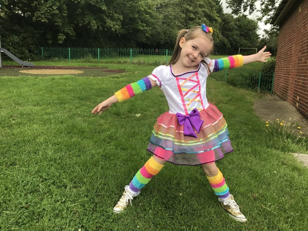 Trolls Party Edens unicorn outfit