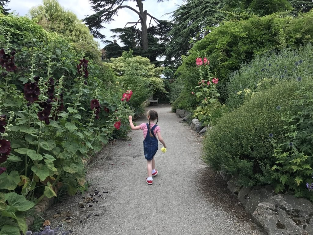 Lullingstone Castle eden exploring the gardens