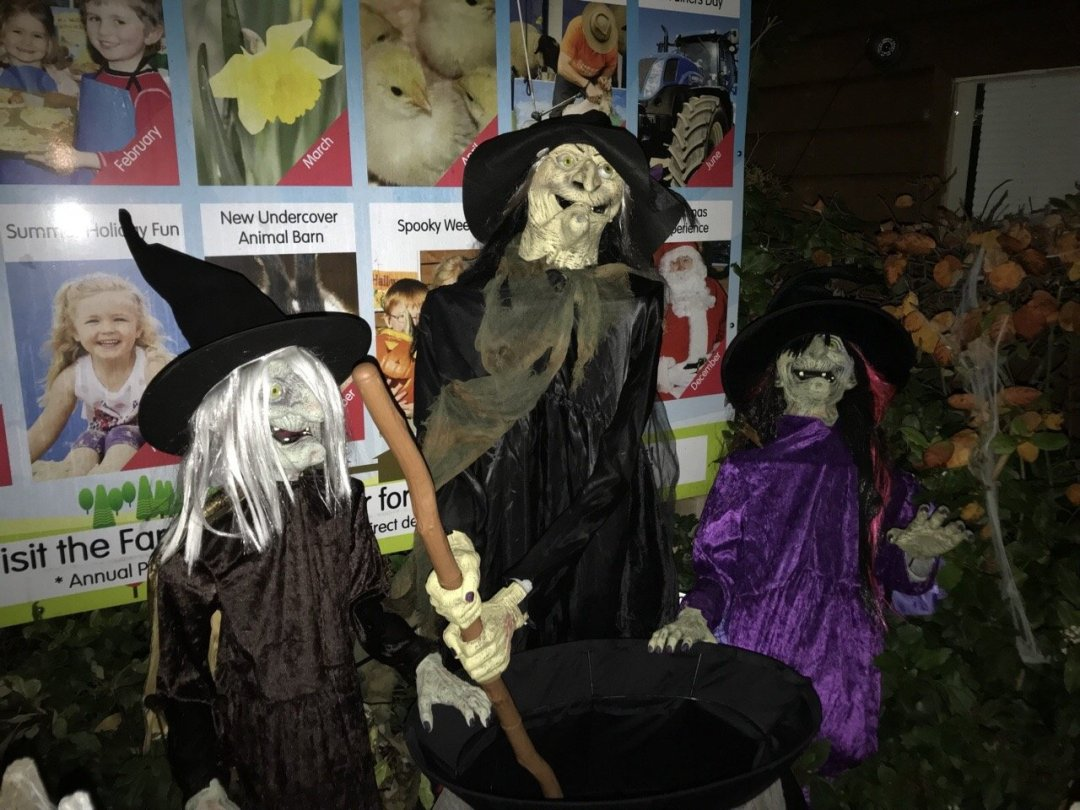 Three witches Spooky Nights at Barleylands