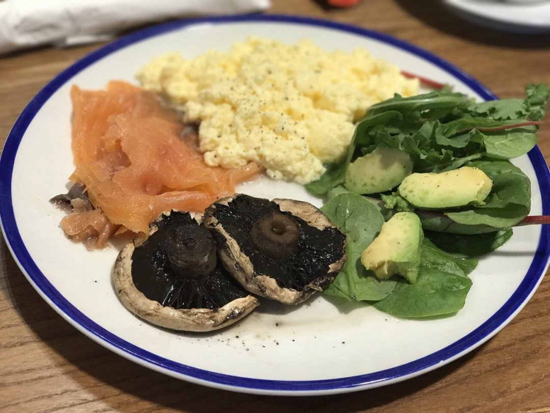 Scrambled eggs and smoked salmon on a plate