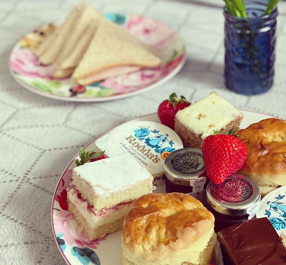 Wildflower travelling tea party. afternoon tea and cake deliveries during lockdown in essex