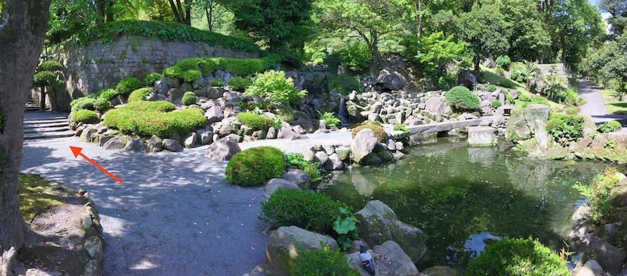 Steps down to Kyokusui Garden in Sengan-en