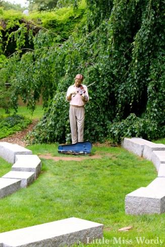 https://littlemisswordy.wordpress.com/2015/06/05/grounds-for-sculpture/