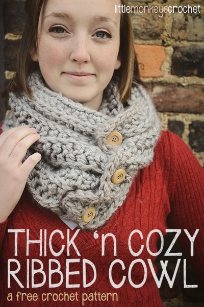 Thick 'n Cozy Ribbed Cowl  |  a free crochet pattern by Little Monkeys Crochet