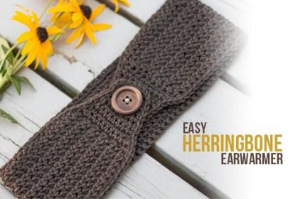 Herringbone Earwarmer Crochet Pattern  |  Free button ear warmer pattern by Little Monkeys Crochet