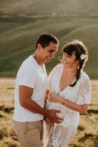 photographe grossesse grenoble chambery femme enceinte coucher soleil champs ble photo maternite_0003