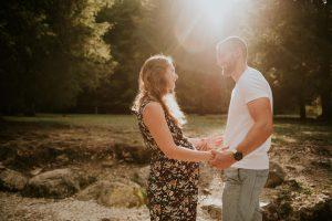 photographe grossesse grenoble chambery femme enceinte coucher soleil champs ble photo maternite_0014