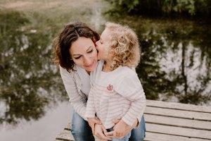 photographe-famille-chambery-grenoble-lifestyle-naturel-little-boheme-folk-seance-photo-montagne-bebe-enfant_0010