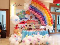 rainbow-elmo-balloon-decoration