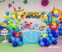 sea-creatures-balloon-columns-and-dessert-table