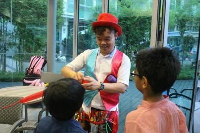 balloon-twisting-for-birthday-parties-singapore