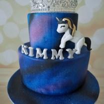 kimmy-customised-cake