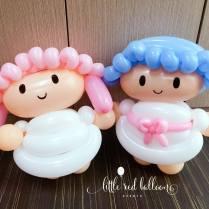 little-twin-star-balloon-sculptures