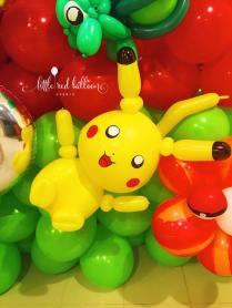 pikachu-balloon-sculpture