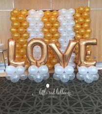 wedding-gold-and-white-balloon-backdrop