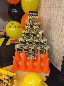 customised-construction-personalised-pringles-cone-cups