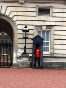 Zooming in on the Queen's guard at Buckingham Palace.