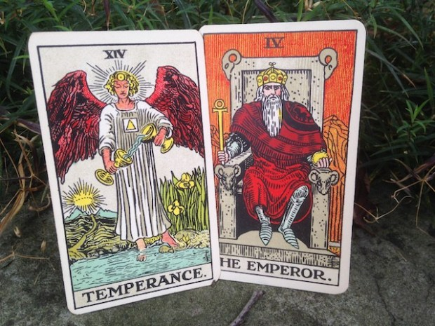 tarot-and-astrology-3-640x480