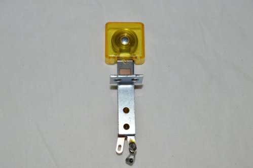 Yellow Transparent Deep Square Target with Front Mount B-21912-16