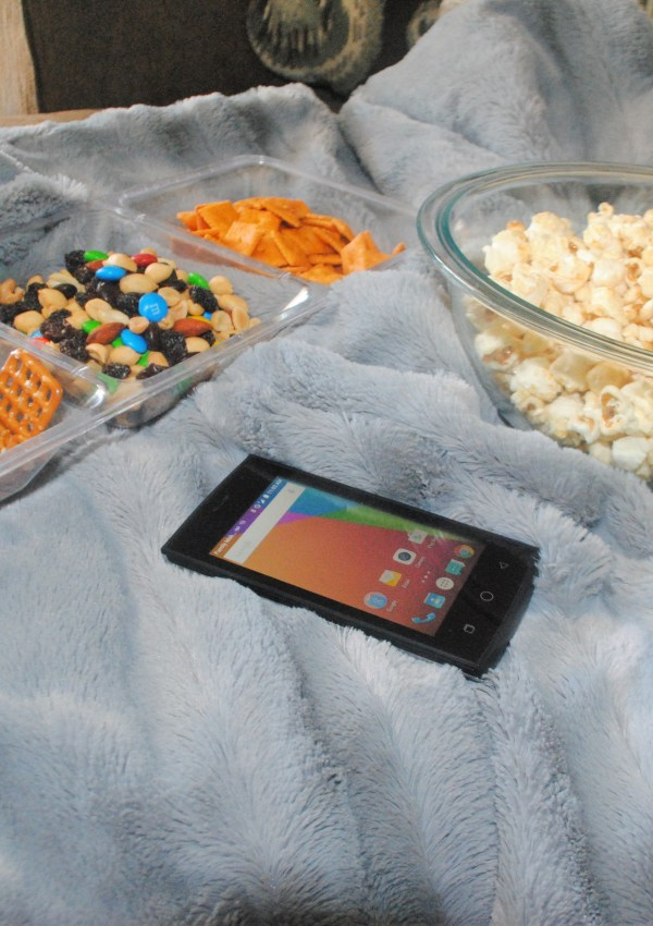Walmart Family Mobile PLUS plan – movie night