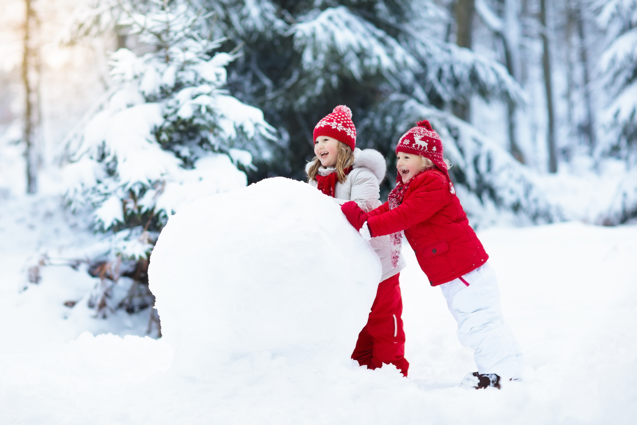 Outdoor Activities To Keep Kids Entertained On Snowy