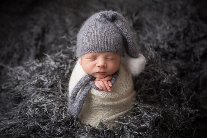 Studio sedinte foto nou-nascut, maternitate si copii