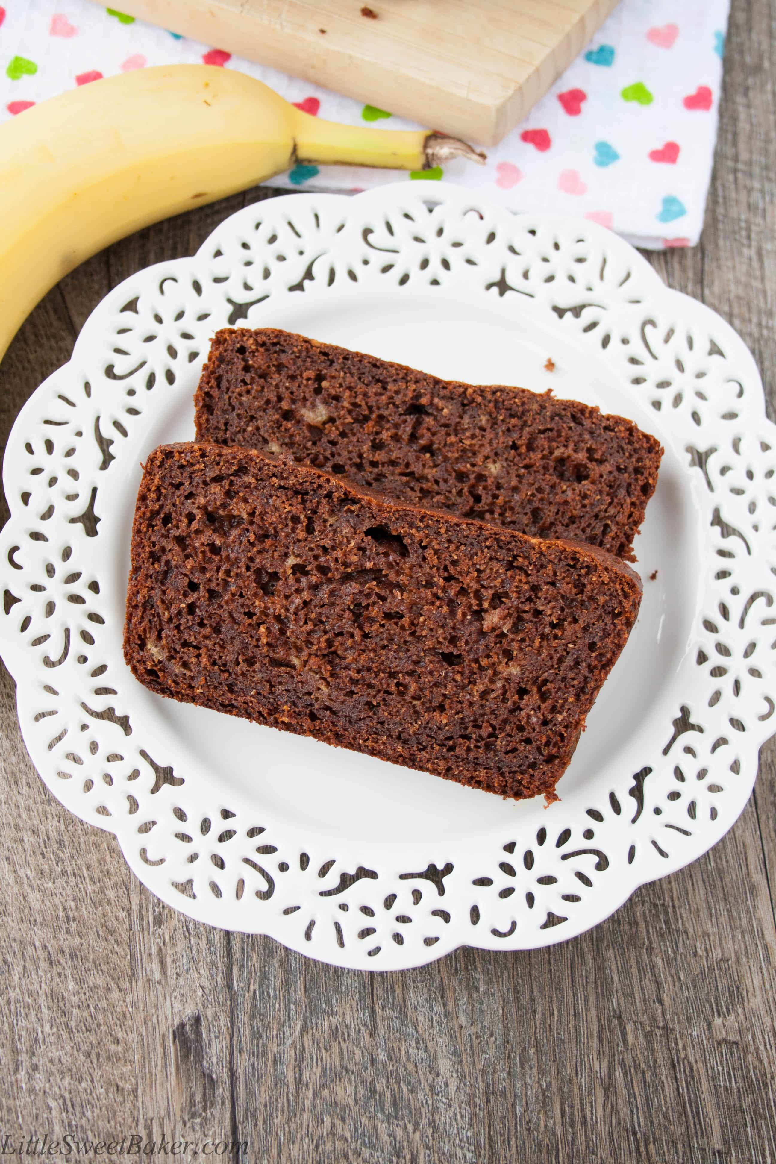 Healthy chocolate banana bread little sweet baker healthy chocolate banana bread made with whole wheat flour coconut oil greek yogurt forumfinder Image collections
