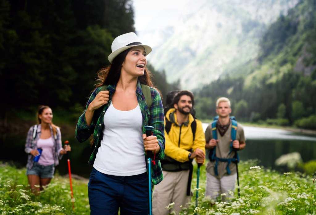 Idees de recettes pour un menu de noel avec aperitif, entrees, plats et desserts.