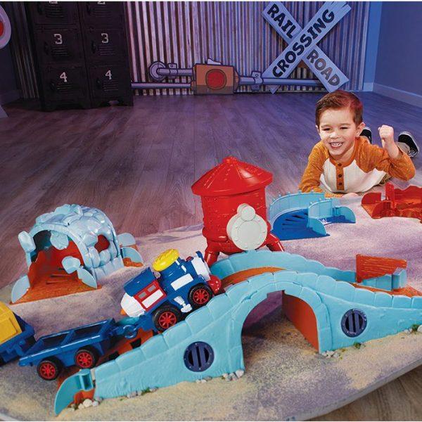 Slammin Racers Runaway Railroad With Kid
