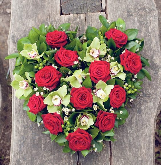 Funeral-flowers-essex-heart-tribute