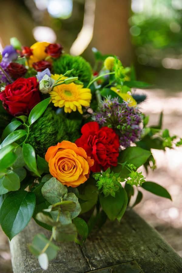 Little-Tin-Shed-Wedding-Funeral-flowers-Essex-sympathy-basket