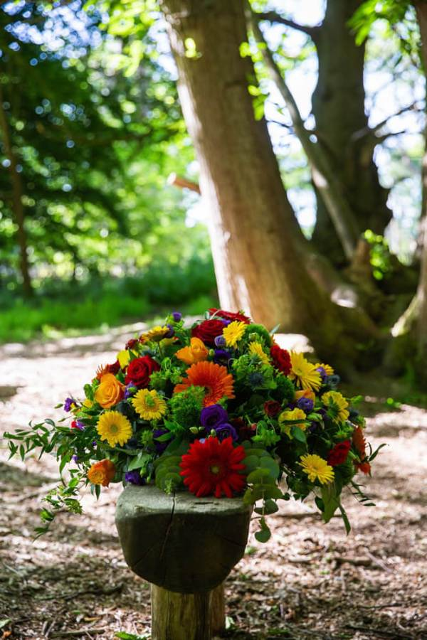 Little-Tin-Shed-Funeral-flowers-Essex-casket-top